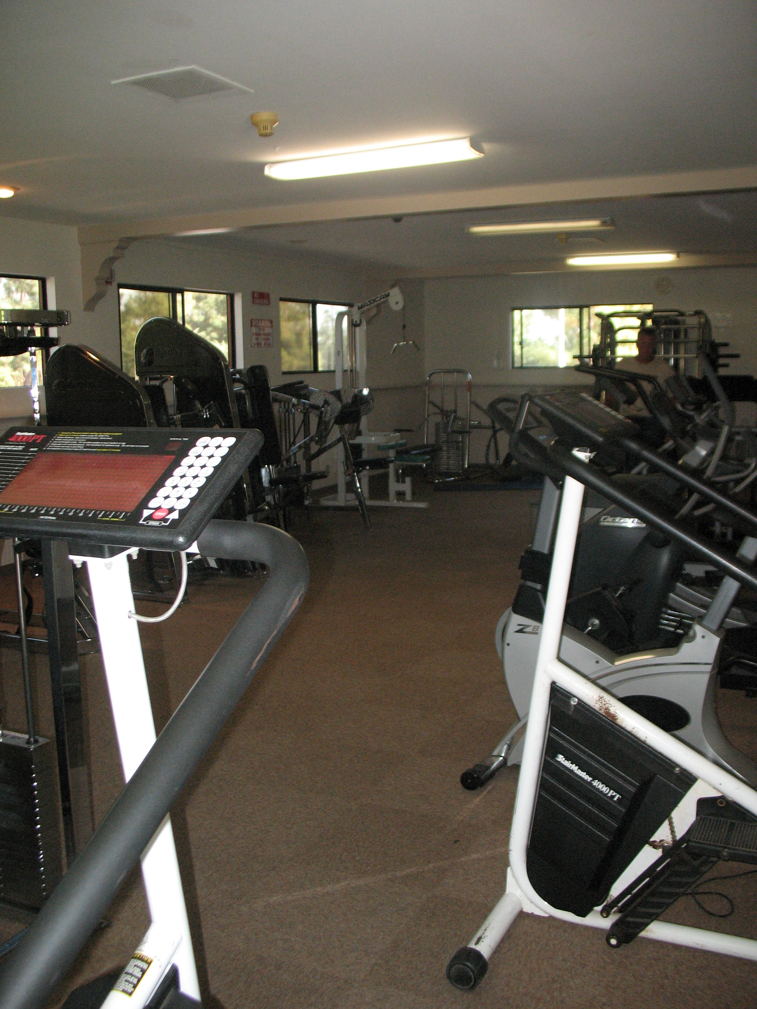 crown-hills-exercise-room